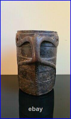 NICE Antique Carved Wood Himalayan Tibet Yak Milking Bucket with Zoomorphic Handle