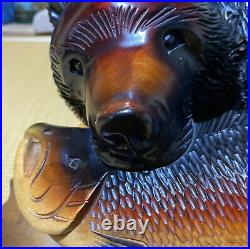 Wood carving grizzly bear folk art Hokkaido Ainu kibori vintage higuma with salmon